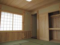 伝統的な造りの和室