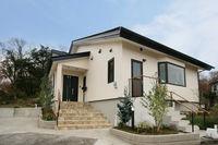 伊豆高原に建つ別荘型住宅